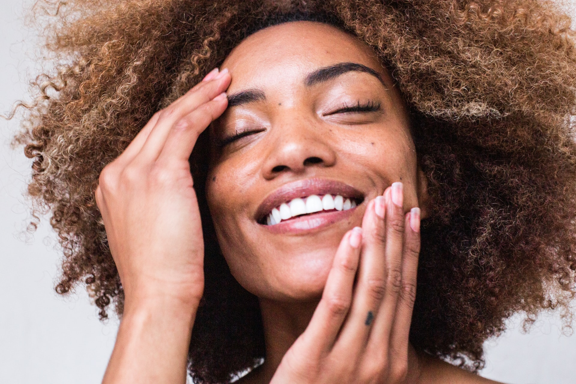 The Best Anti-Aging Creams & Serums to Add to Your Skincare Routine