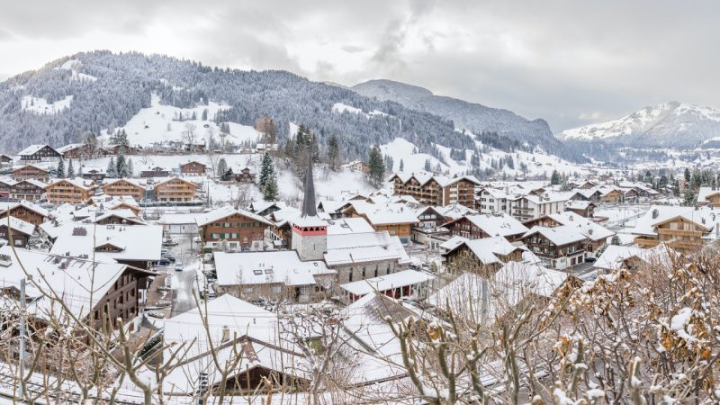 This image has an empty alt attribute; its file name is Gstaad_-800x450.jpg