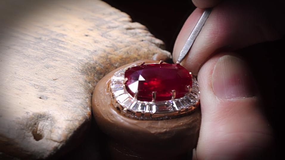 Van Cleef & Arpels Reveal The Treasure Behind The Ruby Stone