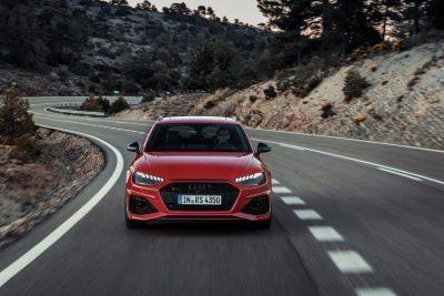 Audi RS4 Avant 2020 Thrills Yet is Practical