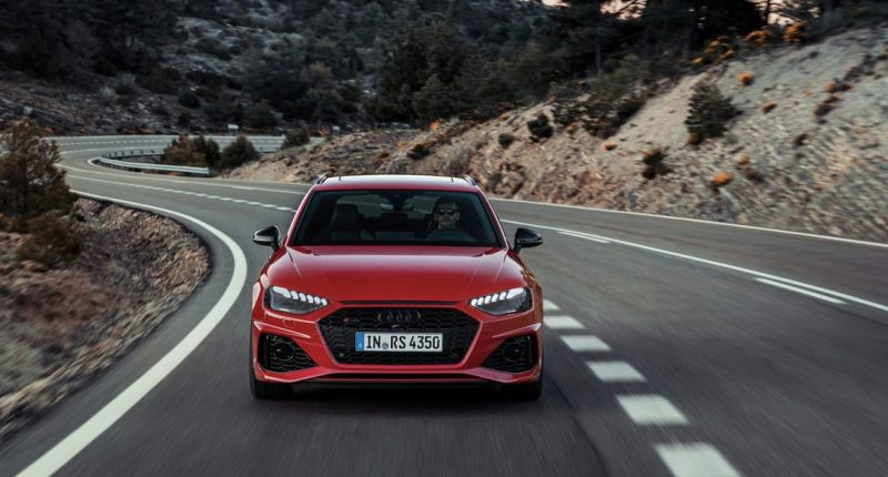 Audi RS4 Avant 2020 Thrills Yet is Practical