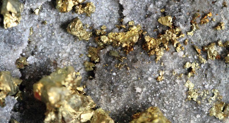 Classic Minerals (ASX:CLZ) intersects high-grade gold along strike at Kat Gap