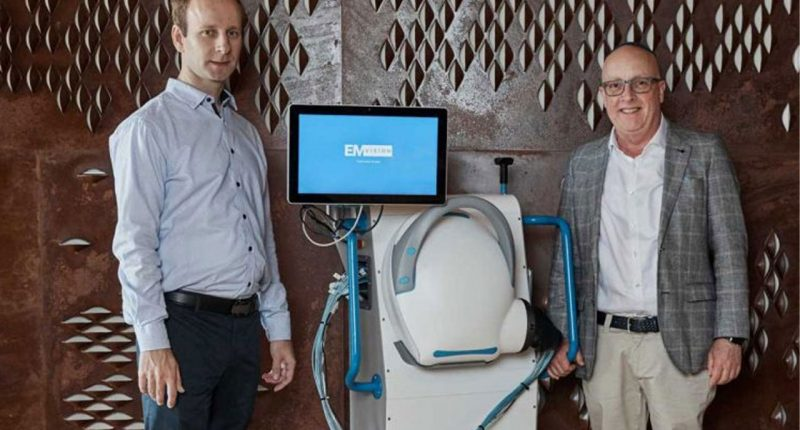 EMVision (ASX:EMV) - Managing Director & CEO, Ron Weinberger (right) and Head of Technology Development, Dr Konstanty Bialkowski (left)