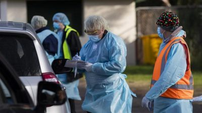 Sydney residents urged to wear masks as COVID-19 cases surge