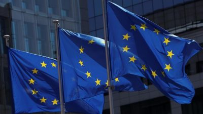 E.U. leaders clash over €1.85T economic recovery package