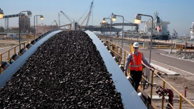 Chinese companies reportedly halt orders for Australian coal