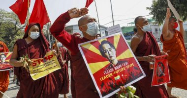U.K. and Canada blacklist Myanmar generals following February military coup