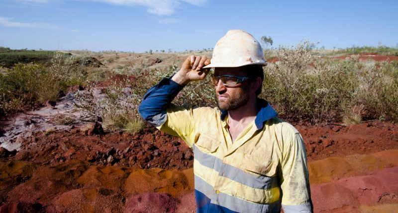 Surefire Resources (ASX:SRN) reviews WA project amid strong iron ore price