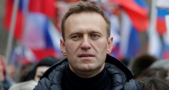 Alexei Navalny brands Putin naked, thieving king as he