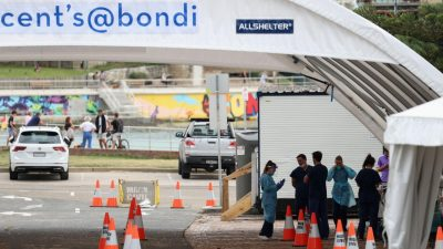 Authorities search for 'missing link' in Sydney's COVID-19 outbreak