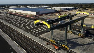 Qube (ASX:QUB) to sell Australia's largest logistics park to LOGOS for $1.67b