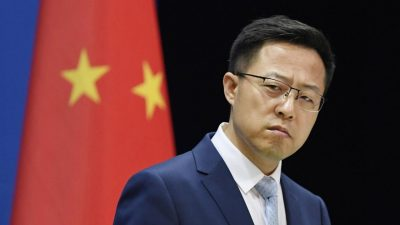 """US and China in """"stalemate"""" after high-level talks"""