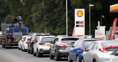 BP reports major fuel shortages at almost one third of British petrol stations